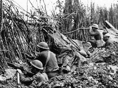 Il soldato italiano in guerra presentava 0438758024c8